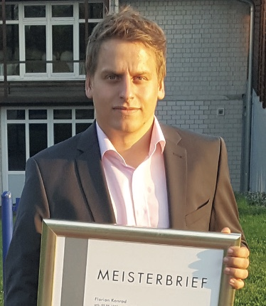 Florian Konrad mit Meisterbrief